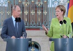 نماینده پارلمان آلمان آنگلا مرکل را به کمکاری در بهبود روابط برلین-مسکو متهم کرد