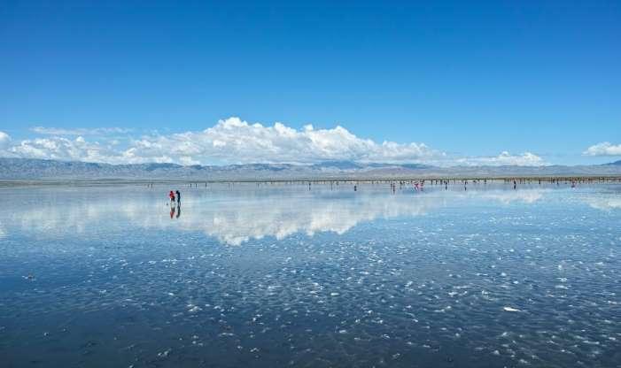 از دریاچه ارومیه تا دریاچه وان/ زیباترین دریاچههای نمک در نقاط مختلف جهان+تصاویر