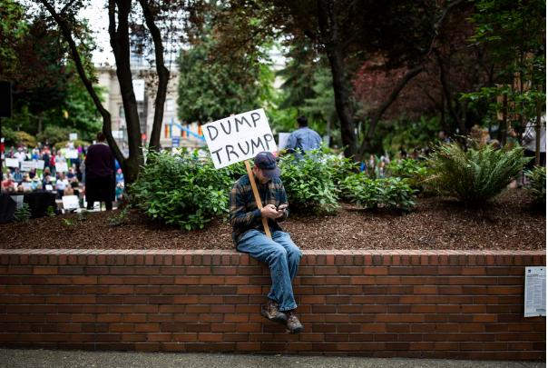 برگزاری تظاهرات سراسری در آمریکا برای استیضاح دونالد ترامپ