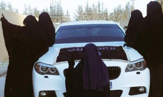 همهچیز درباره وظایف سوگلیهای داعش/ زنان تروریست پسند چگونه برای نوچه های البغدادی سنگ تمام می گذارند؟