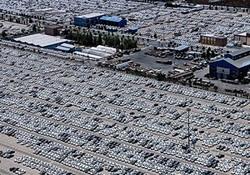 پارک هزاران خودرو در پارکینگهای ایران خودرو/ پشت پرده علت انبار کردن خودروها چیست؟ + فیلم