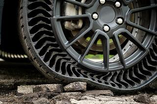 جنرال موتورز تایرهای توخالی و بدون هوا تولید میکند +تصاویر