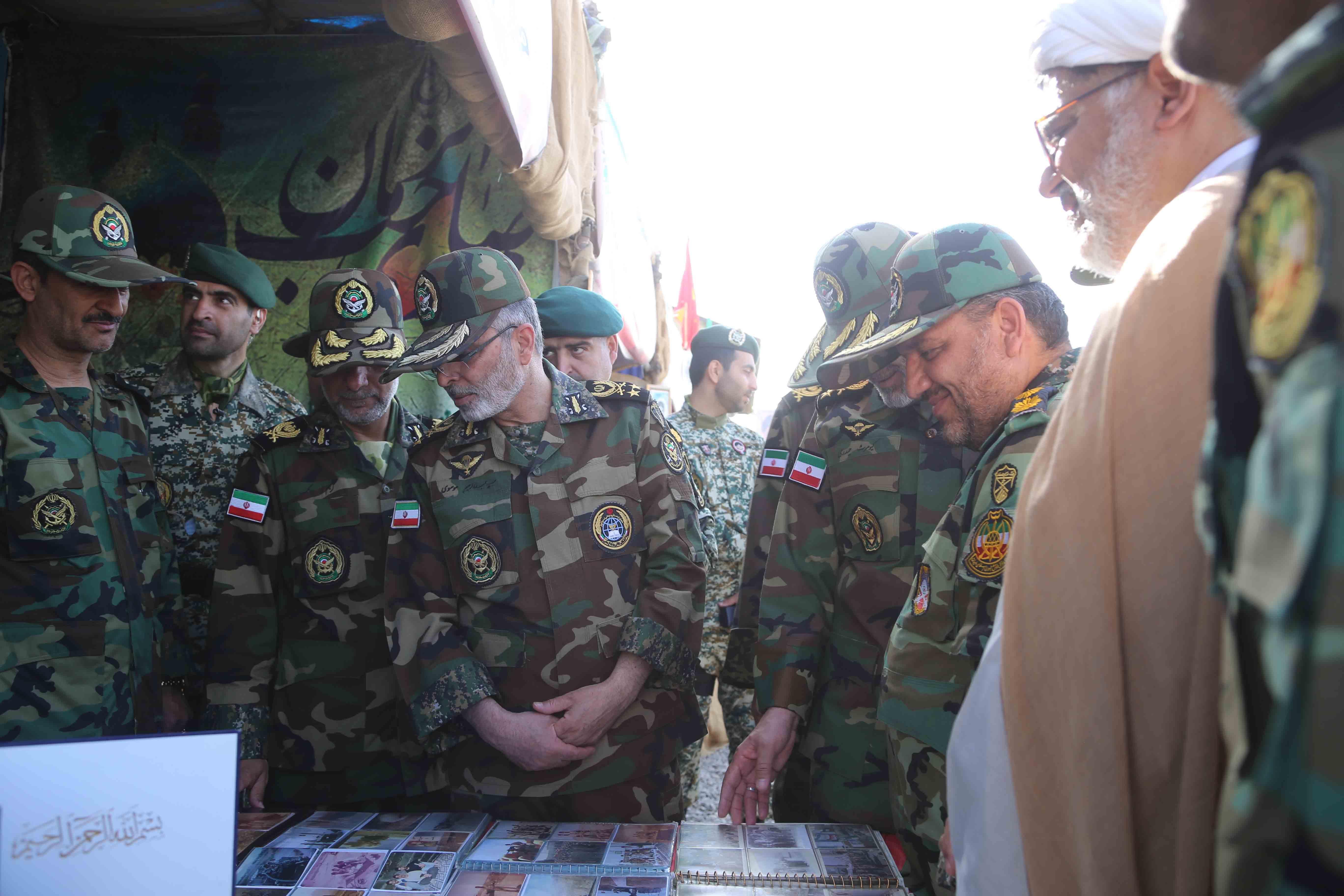 فرمانده کل ارتش از گروه 44 و 55 توپخانه اصفهان بازدید کرد