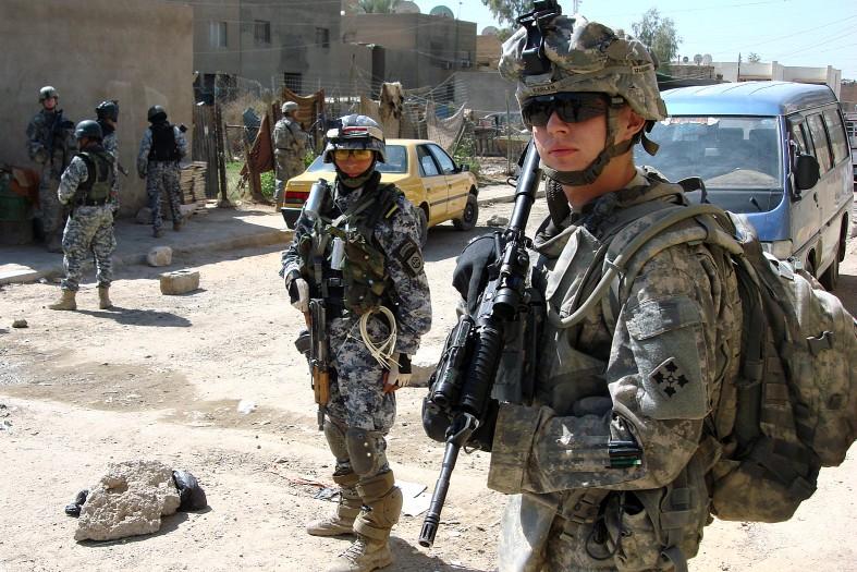 اخبار تأیید نشده از حمله راکتی به محل استقرار مشاوران نظامی آمریکا در موصل