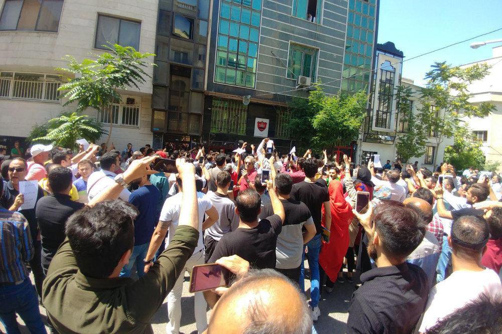 پلیس ضدشورش در استقلال و پرسپولیس چه می کند + عکس