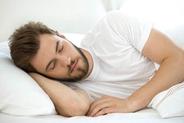 تأثیر خواب خوب در کاهش اشتها به خوراکیهای شور و شیرین