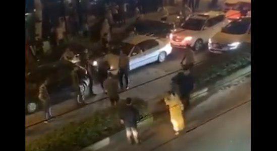 پشت پرده قضیه رقص یک زن در گلسار رشت و برخورد مأمور پلیس با او! +فیلم
