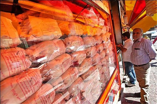 افزایش ۱۵۰ تومانی نرخ مرغ در بازار/قیمت واقعی هر کیلو مرغ گرم ۱۴ هزار تومان