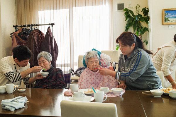 خانواده اجارهای در ژاپن، راهحل معضل پیری و تنهایی فزاینده!