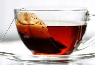 گرانقیمتترین چای کیسهای دنیا / این نوشیدنی لاکچری الماس نشان را با طعم طلا میل بفرمایید! + عکس