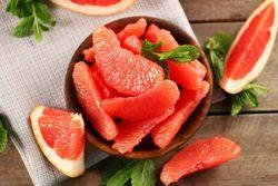 گنجینهای از میوهها که عمرتان را طولانی میکند/ میوهای که با خوردنش قلبتان بیمار نمیشود