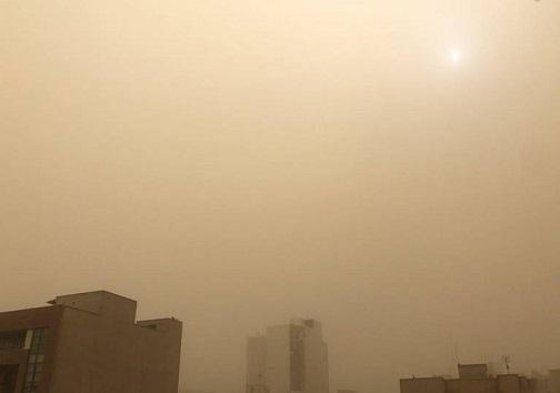 گرد و غبار شدید در استان اصفهان/ هوا ناسالم است