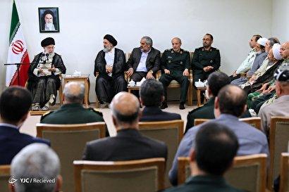 دیدار اعضای کنگره شهدای کردستان با رهبر انقلاب