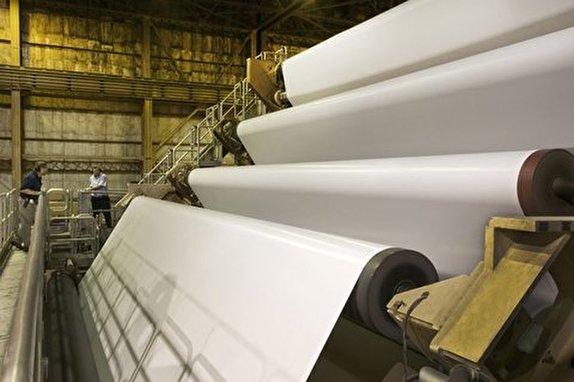 باشگاه خبرنگاران -پول واردات ۴۰ هزار تن کاغذ برابر با احداث ۵ کارخانه داخلی است/چرامسئولان در تخصیص یارانه کاغذ، صورت مسئله را پاک میکنند؟
