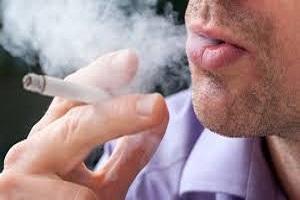 روزانه حدود ۱۰ میلیارد تومان در کشور دود هوا می شود/گردش مالی دخانیات از فروش نفت هم بیشتر است