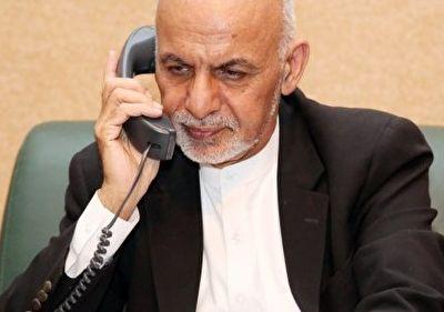 تماس تلفنی اشرف غنی با سرمربی تیم ملی افغانستان پس از راهیابی به فینال رقابتهای قهرمانی فوتسال آسیا + فیلم
