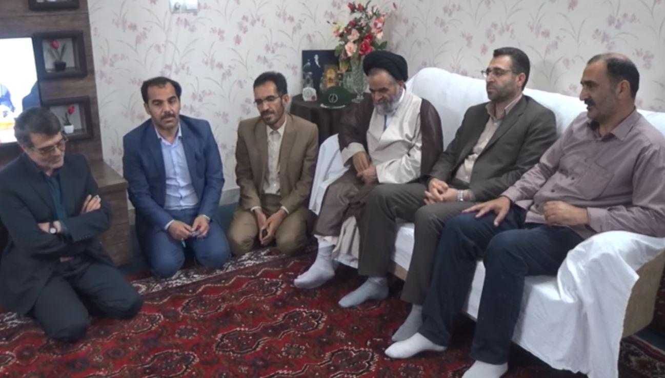 دیدار با خانواده شهدا در خمین