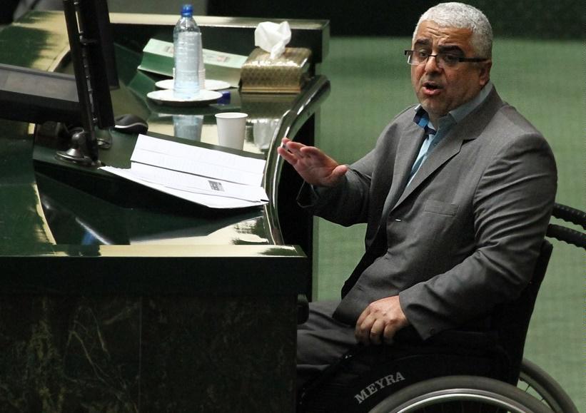 کاندیداتوری عارف راه را برای ائتلاف بست/ ائتلاف با نمایندگان ولایی در صورت تایید کاندیداتوری لاریجانی برای ریاست