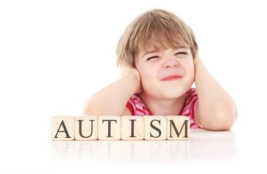 رنج بی پایان خانوادههای کودکان اوتیسمی/ اوتیسم دردی که مرهم نمیپذیرد