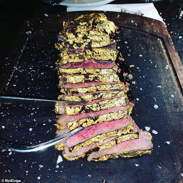 ساندویچ استیک ۳۴۰ دلاری با روکش طلا در دبی+عکس