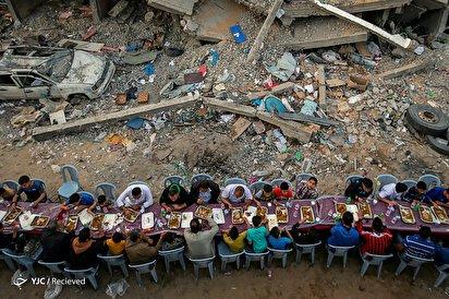 افطار در سرزمین قدس