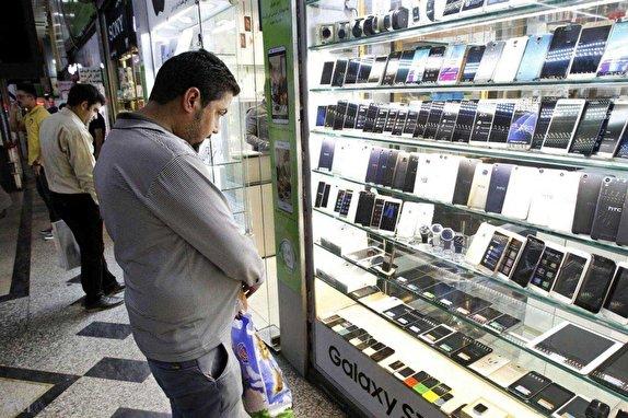 سرانجام ۶۰۰ هزار گوشی دپو شده در گمرک به کجا رسید؟