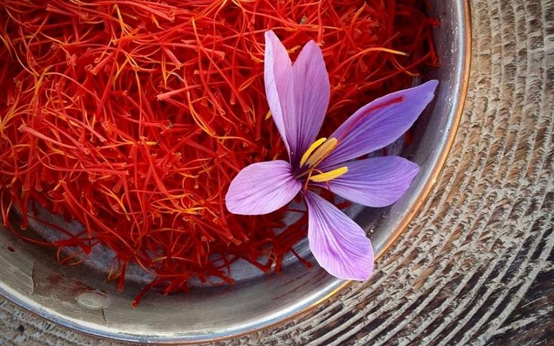 بازار زعفران در رکود به سر میبرد/ حداکثر قیمت هر کیلو طلای سرخ ۱۳ میلیون تومان