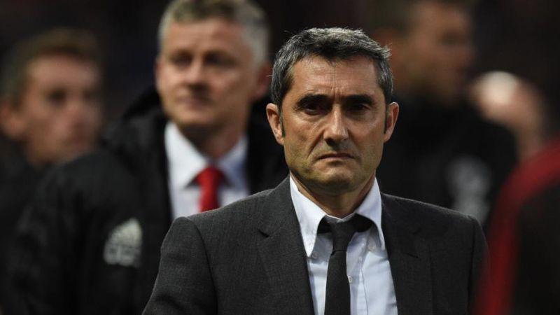 سرمربی تیم فوتبال بارسلونا به درب خروج نزدیک شد