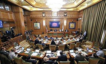 باشگاه خبرنگاران - برادرزاده عضو شورای شهر تهران همچنان جزء ۲ شغله ها/ استعفایی در کار نیست