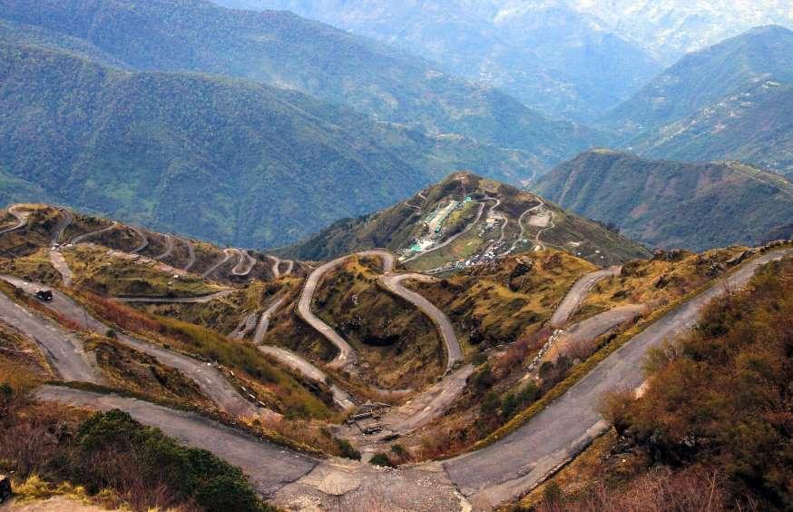 خطرناکترین جادههای جهان با پیچهای صعب العبور+تصاویر