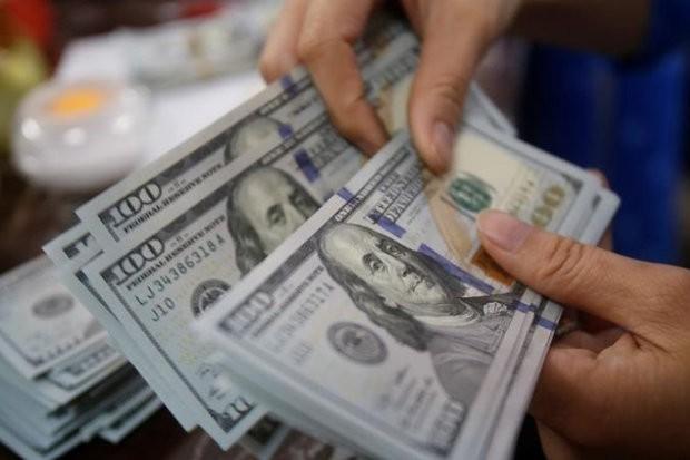نرخ ارز آزاد در ۵ خرداد ۹۸/ نرخ دلار و یورو ۲۰۰ تومان کاهش یافت