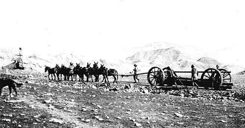 آغاز عصر نفت در خاورمیانه / کشف امید در عمق ٦٠٠ متری زمین!