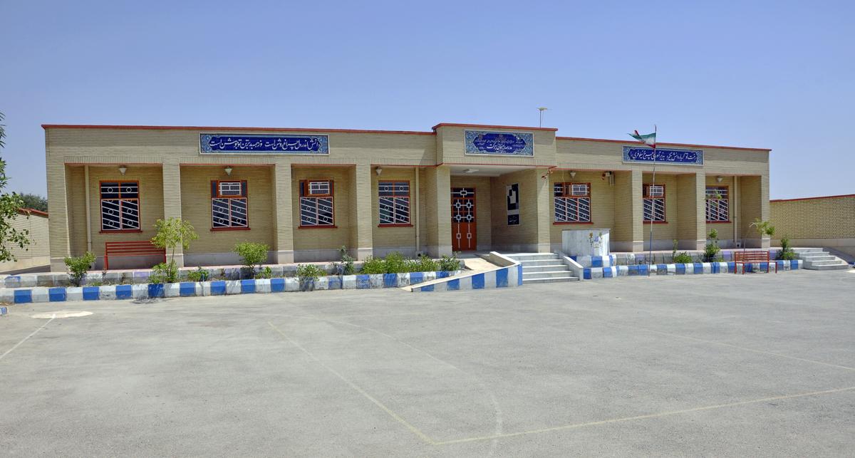 ساخت ۲ هزار مدرسه برکت تا سال ۱۴۰۱/ بیش از هزار مدرسه بنیاد برکت افتتاح شده است