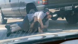 کتک کاری دو راننده در کنار جاده + فیلم