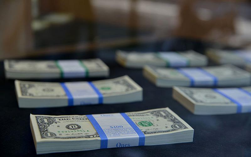 برتر جمعه/درحال تکمیل/ نقش ارز نیمایی در بازار جدید متشکل ارزی چیست؟