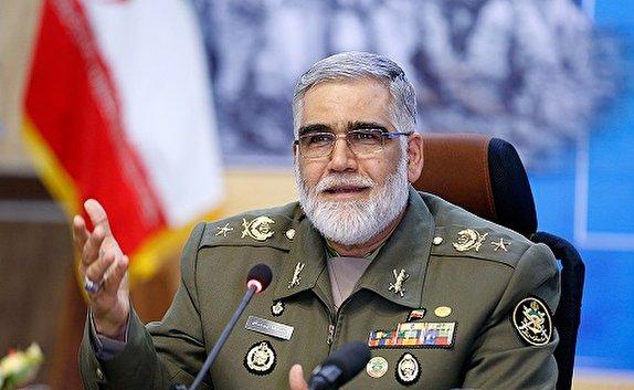 کوچکترین تعرض دشمن به ایران با پاسخ محکم نیروهای مسلح روبهرو میشود / پرچم مبارزه به جوانان رسید