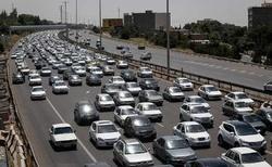 ترافیک نیمه سنگین در اتوبان زنجان - قزوین و زنجان - تبریز/رانندگان با احتیاط  بیشتر برانند