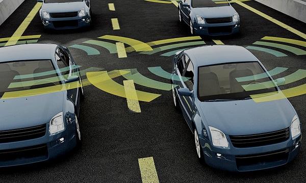 تحلیل و بررسی خودروهای هوشمند/ آیا خودروهای متصل به اینترنت میتواند به طور کامل جایگزین خودروهای کنونی میشود؟