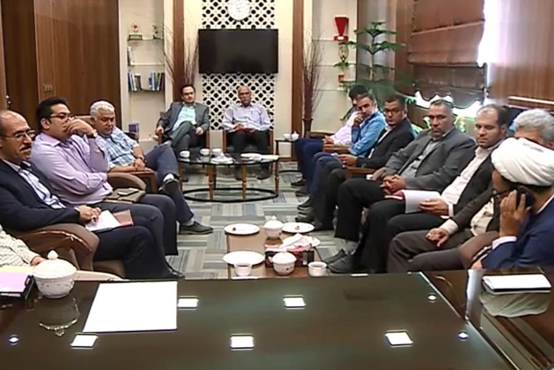 پیگیری مشکلات فاضلاب شهر محلات از طریق وزیر