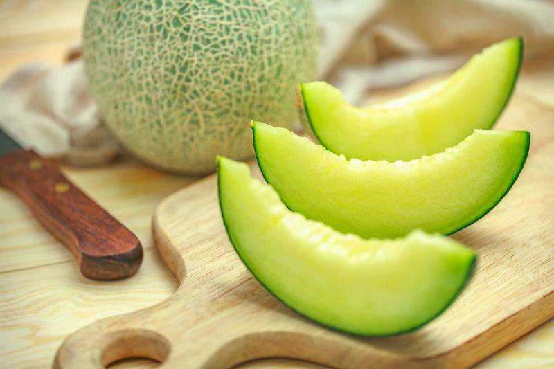 میوهایسبزرنگ که به شدت آرامتان میکند/روشی عجیب اما باورکردنی در درمان کمردرد/ میوهای تابستانه در کاهش فشارخون