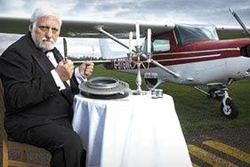 عجیب و غریبترین زندگیها! / از مردی که هواپیما میخورد تا زندگی یک زوج به سبک قرون ویکتوریا