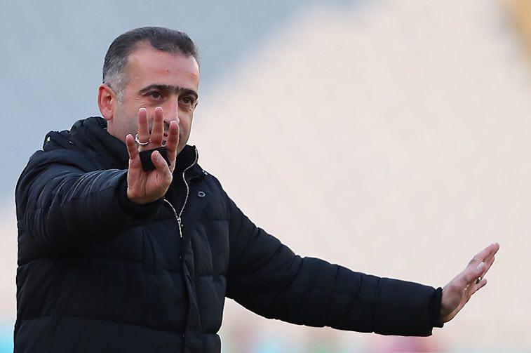 سرپرست تیم فوتبال پارس جنوبی: دغدغهای برای برگزاری لیگ در جم وجود نخواهد داشت/ وقتی مربی بازیکنی را کنار میکذارد، باید به او احترام بگذاریم