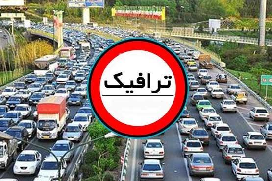 ترافیک در برخی از محورهای مواصلاتی استان زنجان نیمه سنگین است