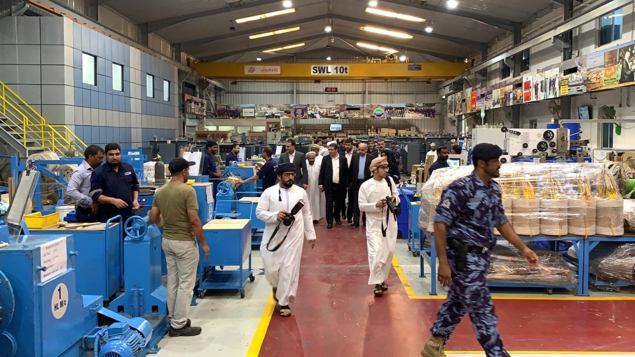 بازدید وزیر صنعت کشورمان از مناطق صنعتی عمان