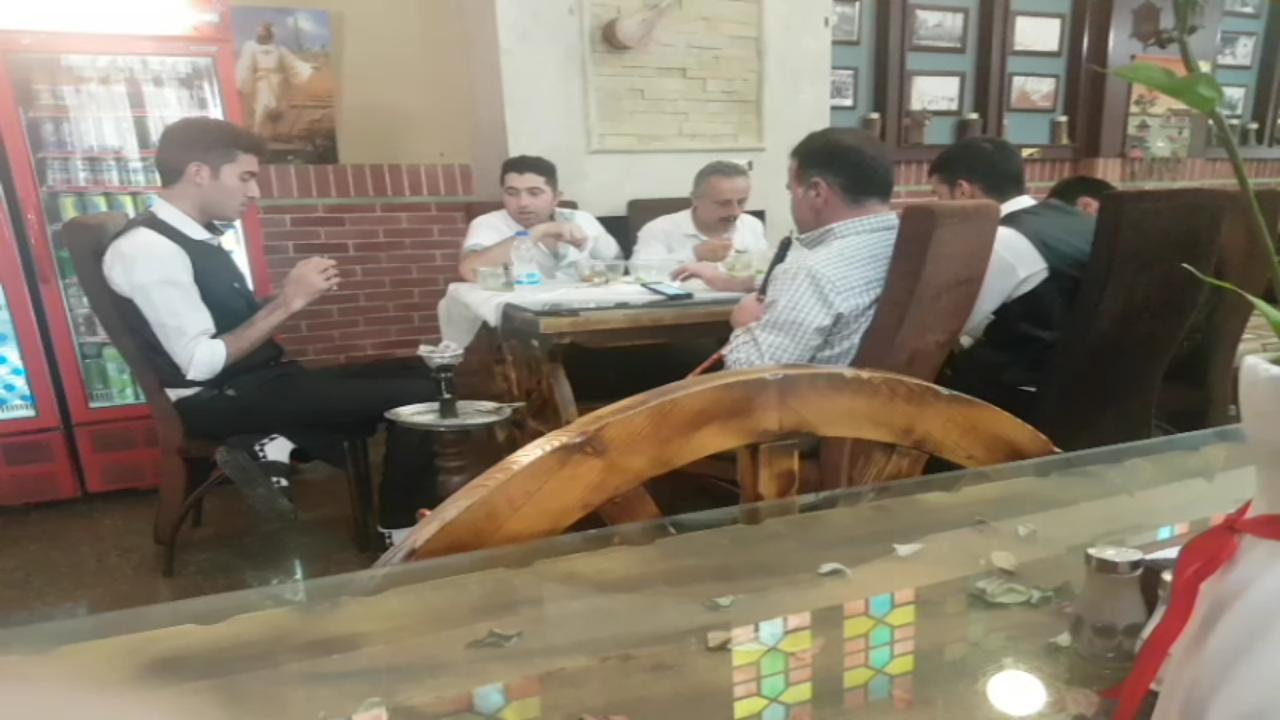 کاظمی/ وای به روزی که بگندد نمک؛ عرضه قلیان در پارک بدون دخانیات مقابل شهرداری تهران