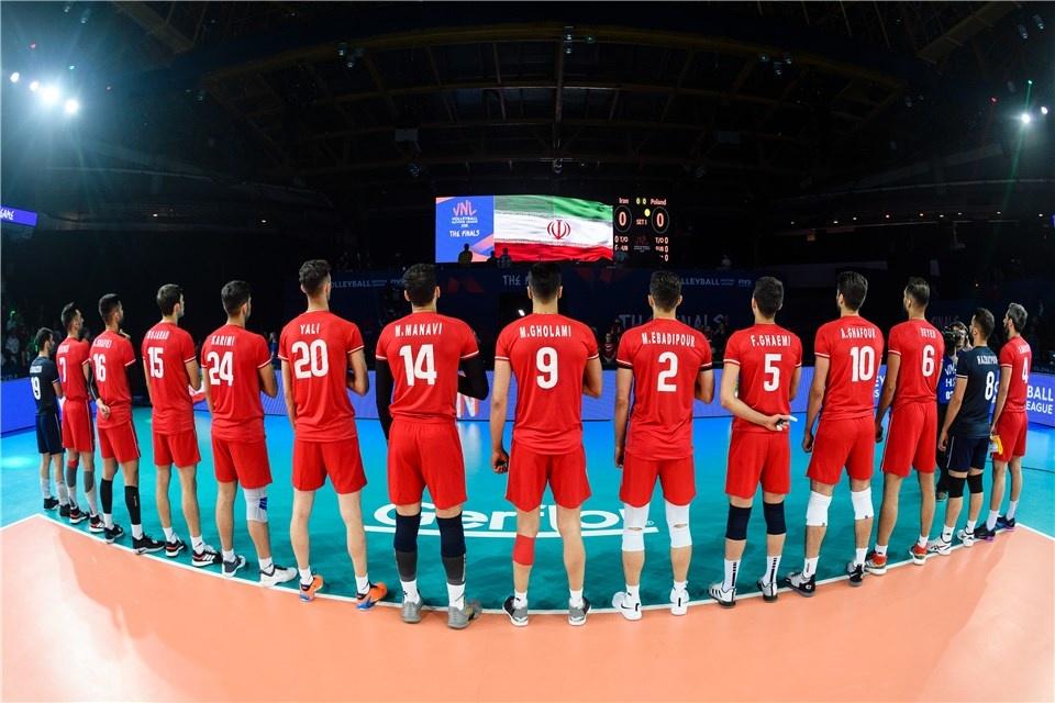 لو رفتن استقلالیها و پرسپولیسیهای تیم ملی والیبال +فیلم