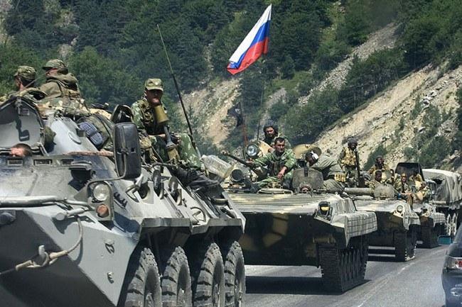 پلیس نظامی روسیه در سوریه هدف انفجار بمب کنارجادهای قرار گرفت