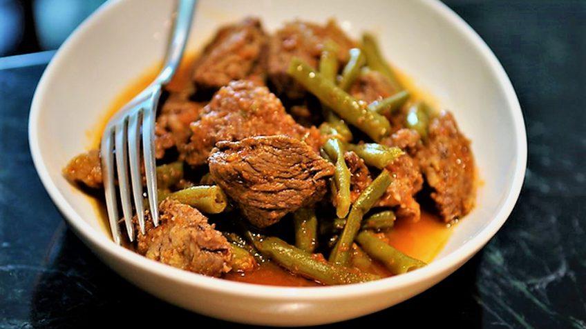 خورش لوبیا سبز و گوشت