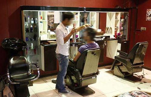 از سولاریوم و تتو تا پدیکور کراتینهتراپی برای آقایان / در آرایشگاههای مردانه پایتخت چه میگذرد؟