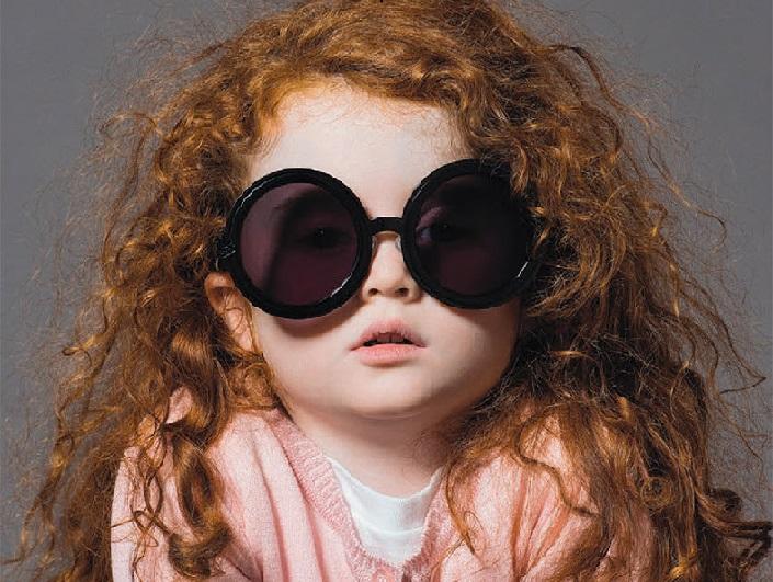 چرا کودکان باید عینک آفتابی بزنند